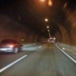 Unfall im Rennsteigtunnel: Rentner kollidiert mit Reisebus