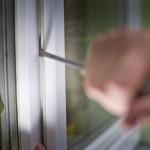 Zeugen Gesucht: Mehrere Softairwaffen bei Einbruch in einem Haus gestohlen