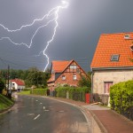 Blitzeinschläge, Erdrutsch: Teils starke Gewitter ziehen über Thüringen