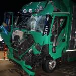 Viehlaster kracht auf der Bundesautobahn 9 bei Schleiz auf Lastzug