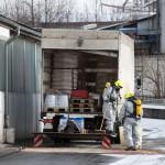 LKW verliert ätzenden Gefahrstoff im Gewerbegebiet Mellingen