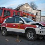 Kleinbus überschlägt sich auf der A4 bei Nohra - Feuerwehrfahrzeug verunglückt auf dem Weg zum Einsatzort