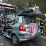 Tödlicher Frontalzusammenstoß mit einem Müllfahrzeug auf der B85