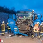 Sattelzug kollidiert mit vorausfahrenden LKW auf der A 4 bei Mellingen