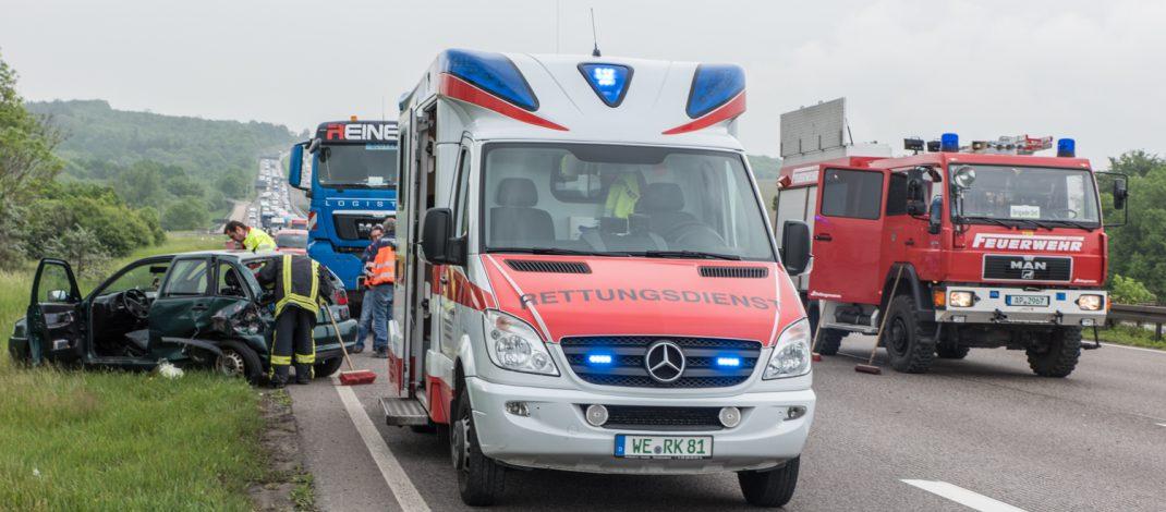 Unfall mit drei Fahrzeugen auf der Autobahn 4 bei Mellingen