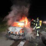 PKW kracht auf A9 bei Schleiz in LKW und fängt sofort Feuer