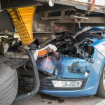 Fahrerin kollidiert mit Sattelzug auf der A4