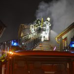 Bewohnerin eingeschlafen: Kerze löst Gebäudebrand in Suhl aus