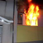 Eine Person aus brennender Wohnung gerettet