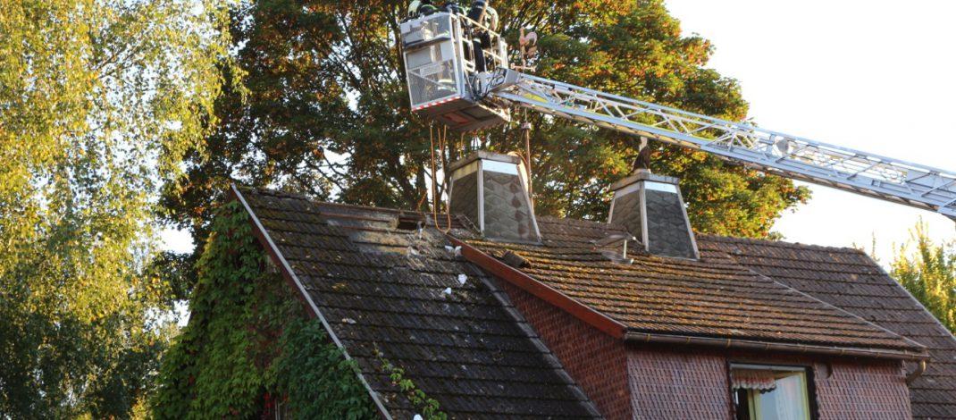 Dachstuhlbrand in Suhl Dietzhausen – Feuerwehr verhindert Totalverlust
