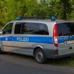 Fahrer alkoholisiert: PKW geht nach Unfall in Vehra in Flammen auf