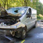Junger Motorradfahrer bei Kollision mit Transporter lebensbedrohlich verletzt