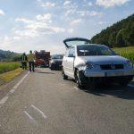 PKW landet in Maisfeld: Vollsperrung auf B 85 nach Unfall mit drei PKW