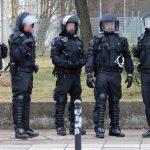 Innenminister beschafft 1.500 ballistische Schutzhelme für Polizei