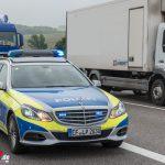 LKW kollidiert bei Erfurt auf der A71 mit Streifenwagen