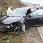 Auto landet auf A9 bei Schleiz im Graben