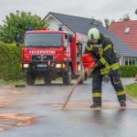 Ölspur nach Verkehrsunfall mit Fahrerflucht in Blankenhain