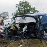 PKW-Fahrer nach Kollision mit Gefahrgut-LKW bei Pößneck eingeklemmt