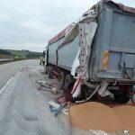 Bio-Getreide verteilt sich nach Unfall auf der A9 bei Gefell