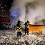 Winterräumfahrzeug bei Hirschberg ausgebrannt – 40.000 Euro Schaden