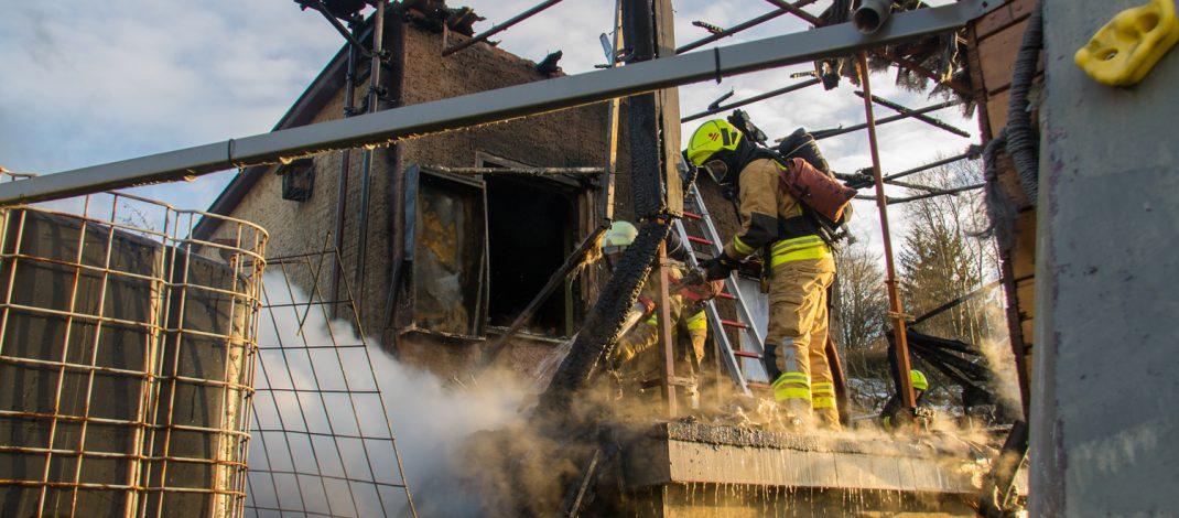 Ehepaar unverletzt: Gartenlaube in Kahla komplett abgebrannt