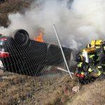 PKW überschlug sich bei Dittersdorf neben der A9 und fing sofort Feuer
