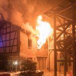 Feuerwehr rettet Bewohner aus brennender Wohnung in Weimar-Taubach