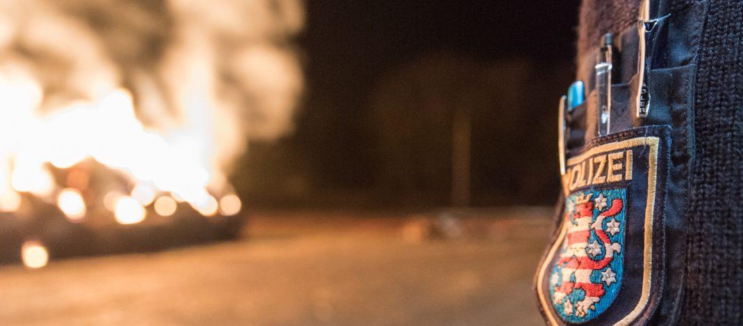 Hoher Schaden bei Brand in Lagerhalle im Wartburgkreis: 1000 Strohballen vernichtet