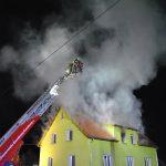 Kleinkind gerettet: 100.000 Euro Schaden nach Wohnungsbrand bei Camburg