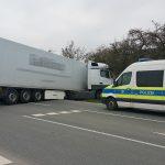 LKW-Fahrer mit 2,78 Promille beim Wenden in den Graben gerutscht