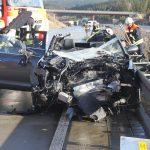 Fahrer kracht auf A9 bei Schleiz unter Lastzug – keine Rettungsgasse