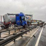 A4 nach Unfall mit Gefahrguttransport bei Gera voll gesperrt