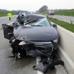 Spielen am Navi endet im Unfall auf A9 bei Moßbach