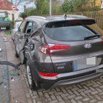 Traktor beschädigt mit Scheibenegge vier Fahrzeuge in Isseroda