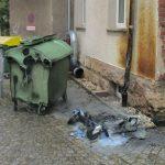 Jugendliche stecken Müllcontainer in Jena in Brand - Zeugen gesucht
