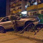 Dumm gelaufen! Beifahrer verkippt Bier – Fahrer baut Unfall in Weimar