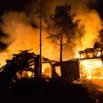 400.000 Euro Schaden: Scheune mit Tischlerei brennt in Lichte ab