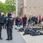 Rund 100 Rechte griffen Einsatzkräfte der Polizei in Apolda an