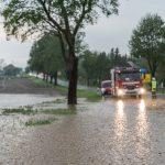 Unwetter: Bundesstraße 7 zwischen Weimar und Jena überflutet
