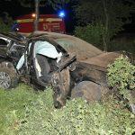 Aus Auto geschleudert: Fahrer auf B85 lebensbedrohlich verletzt