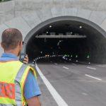 Unfall im Tunnel Lobdeburg auf A4 bei Jena endet glimpflich