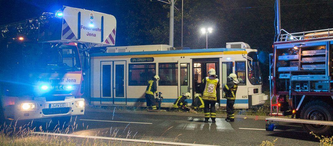 Junge Frau stirbt nach Zusammenstoß mit Straßenbahn in Jena