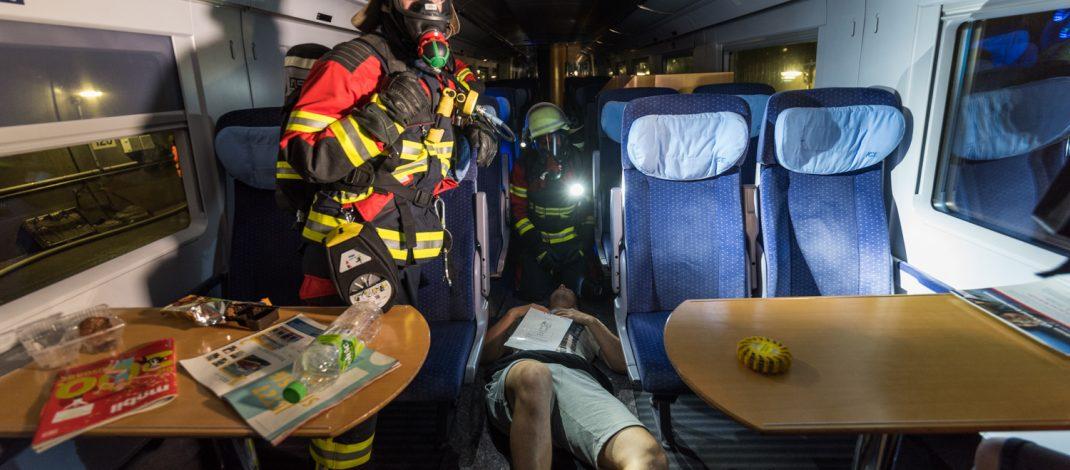 Bahnunfall geprobt: 700 Helfer im Tunnel Bleßberg im Einsatz