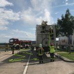 20 Tonnen Müll in Auflieger auf der A71 in Brand geraten