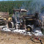 Landmaschine auf Feld bei Uhlstädt-Kirchhasel abgebrannt