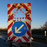 LKW kracht in Schilderwagen auf der A71 bei Suhl