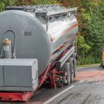 LKW verliert während der Fahrt schweren Anhänger bei Weimar