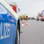 Drei teils Schwerverletzte auf A9 bei Dittersdorf - Auto überschlägt sich