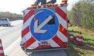 LKW kollidiert auf A4 bei Stadtroda mit Schilderwagen