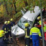 81-jährige Beifahrerin stirbt bei schwerem Unfall in Greiz